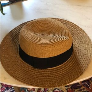 Straw hat with black ribbon detail